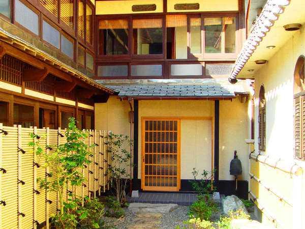 間人漁港 料理旅館 宿居 三養荘