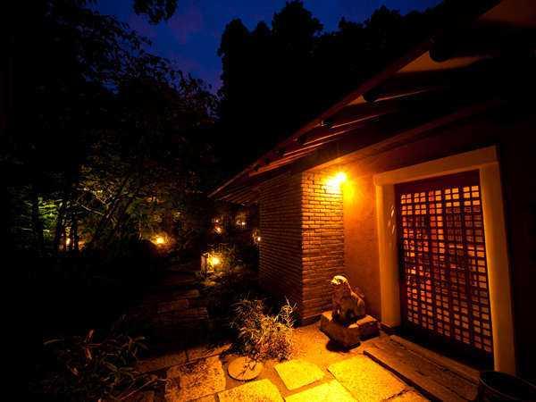 全客室露天付き離れ宿 湯富里の宿・一壺天